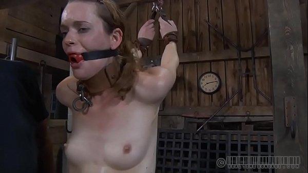 Порно возле подъезда