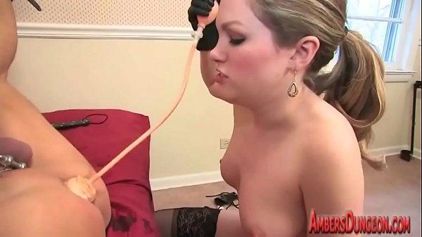Лену поставили раком и выебали в жопу