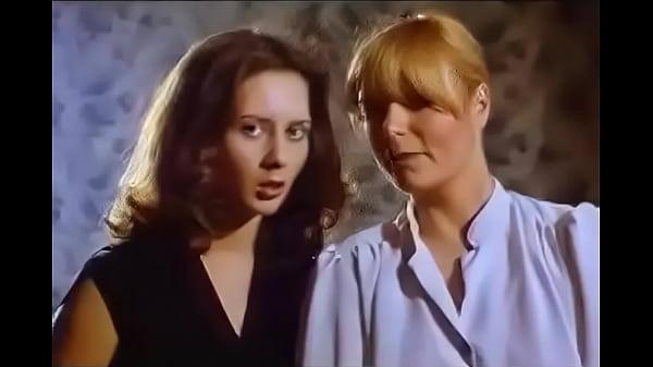 Посмотреть фильм лесбиянки любят анально