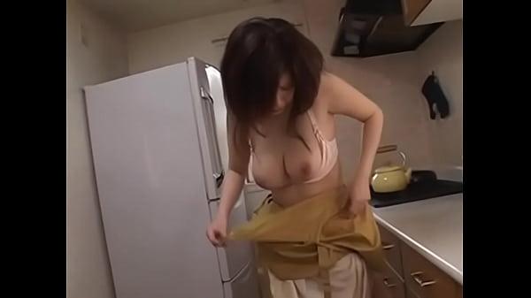 681หนังโป๊สาวใหญ่xxxsaoyaiเต็มเรื่อง หลานหื่นแอบขืนใจคุณน้าสาวใหญ่คาห้องครัวกระเด้าหีอย่างมัน หนังโป๊แนวครอบครัว