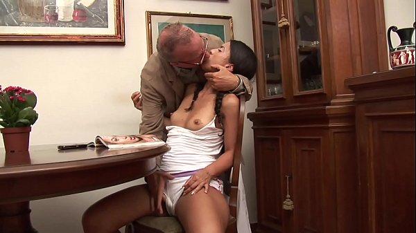 Секс старых с молодыми