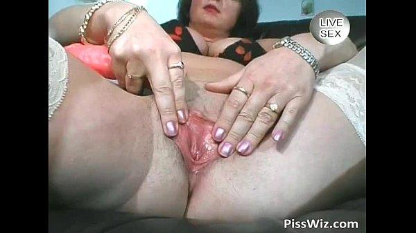 Зрелая красотка Ева любит большие хуи