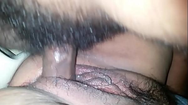 Порно видео лижет большую попку