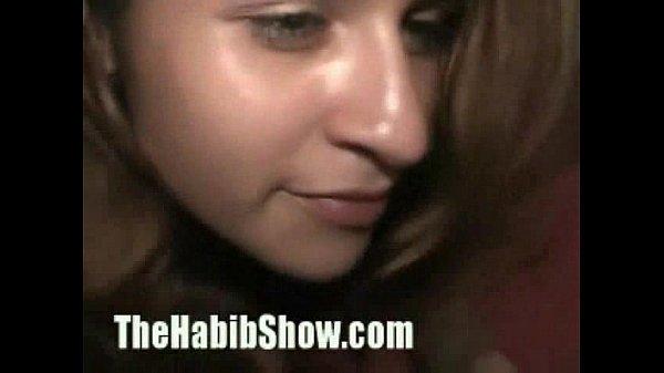 Карлик трахает женщину
