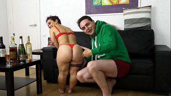 enano sara one: extraño enano porno con andrea dipre