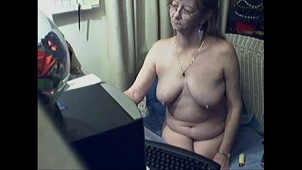 Частное порно бабули страпонят