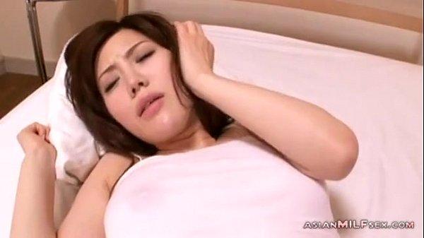 Kích dục em gái nứng lồn cực xinh