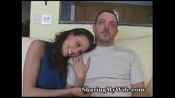 Нимфетки мастурбируют на скрытую камеру