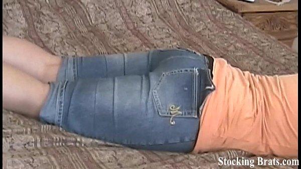 Порно видео со спяшей по очереди