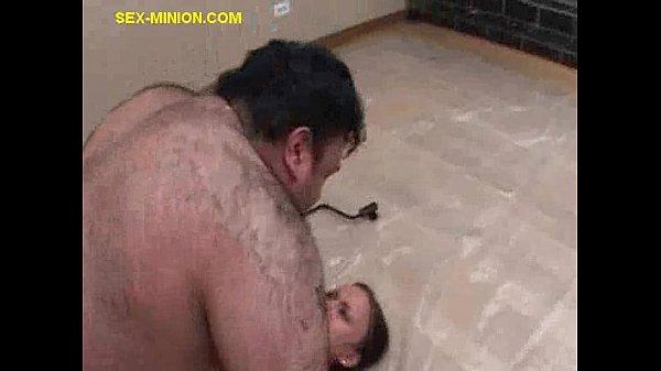 Девушка и толстый мужик