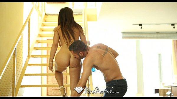 HD - PureMature Hot milf Lisa Ann shows how she wants dick