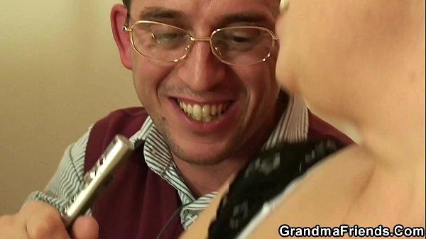 Порно видео красивые милашки кончают