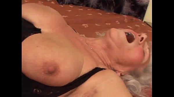 Порно видео кончить внутрь бабушке