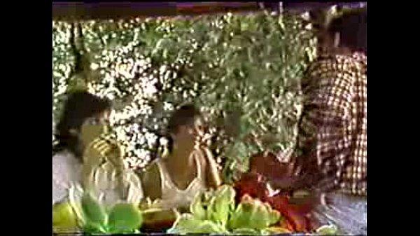 Порно видео зрелая женщина и 2 гея