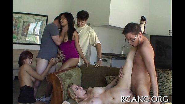 Порно тётина попа по принуждению