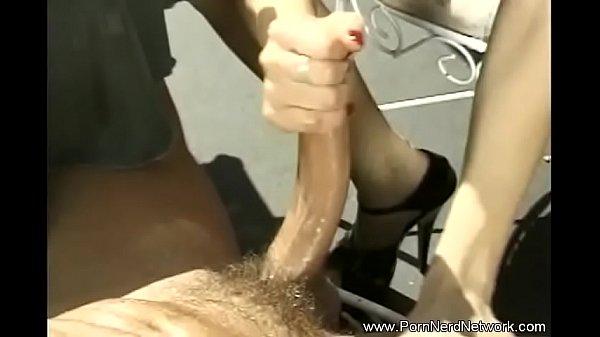 Пышечка мастурбирует порно
