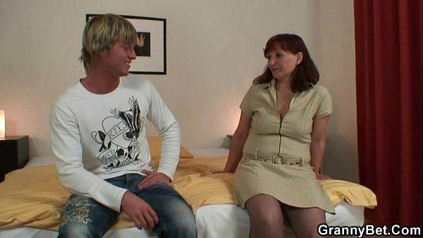 russkie-porno-izmeni-s-sosedyami-trahaet-na-diskoteke
