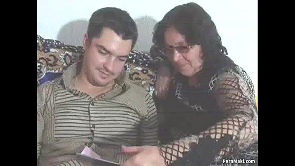 Бабки порно с молодым