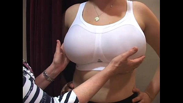Огромные груди в лифчике
