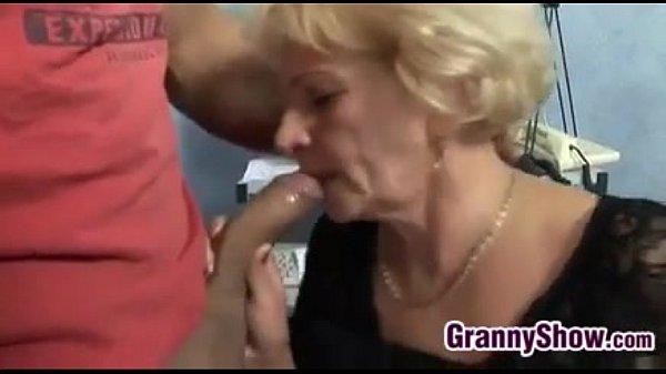 Ебли с бабушкой