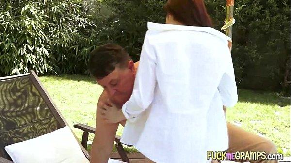 Мама дрочит сын трахает видео