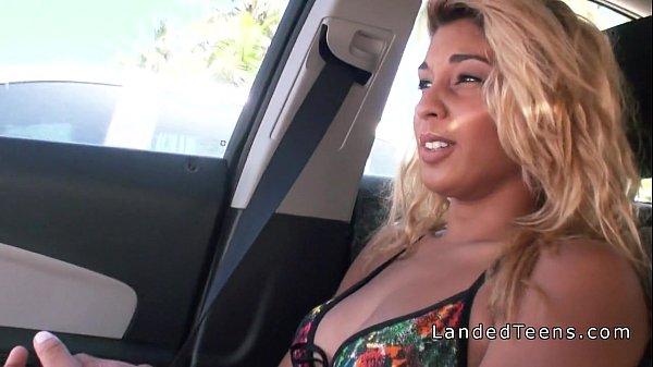 Лесбиянки секс в автомобиле