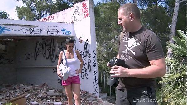 Жирный мужик трахает жену