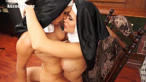 Секс с сексуальными монашками