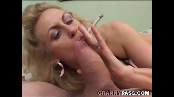 Порно зрелых толстых продавщиц