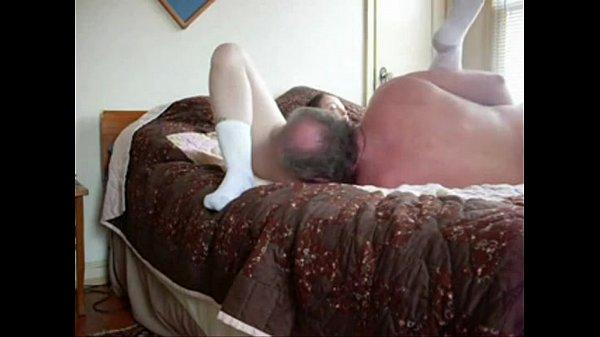 Порно ролики один лижет пизду другой ебет