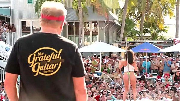 Video bokep online Pool Party Twerk Contest 19 gratis - Tvhastingschristiebooks.com