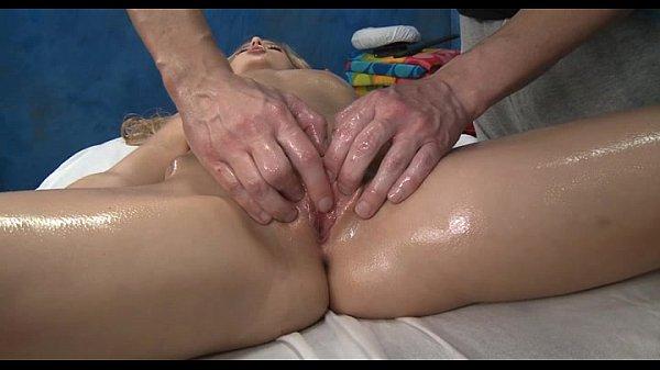 Пухленькие голожепые тетки порно
