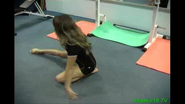 Гибкая гимнастка трахается смотреть онлайн