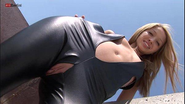 Anuschka Marek: Eroberlin 18yo Cassandra Leather Teeny Outdoor Blond Skinny Fotze Jung Slot