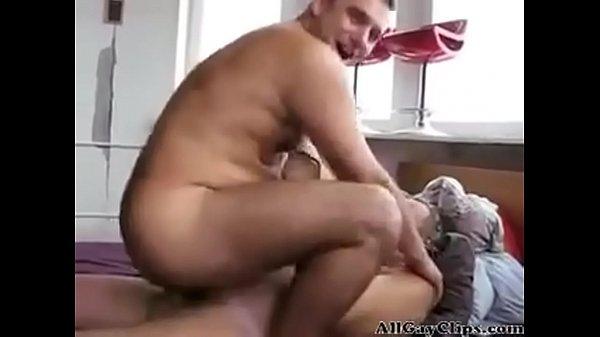 Порно геи парнь в женском жостко трахают русское