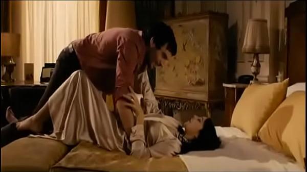 Monica bellucci hot bed scene nipple expose