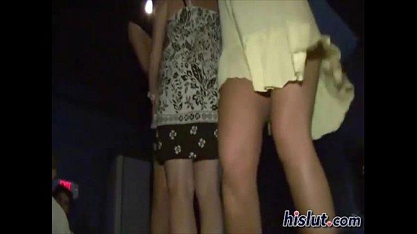 Пьяные телки снимают трусики на концерте видео онлайн