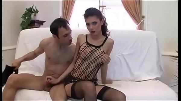 Порно анальное вторжение рукой