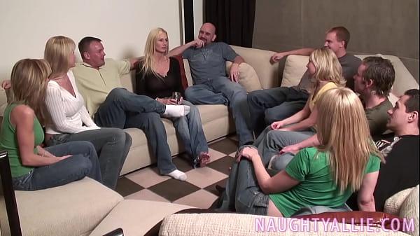 Руские семейные пары свингеро видео смотреть