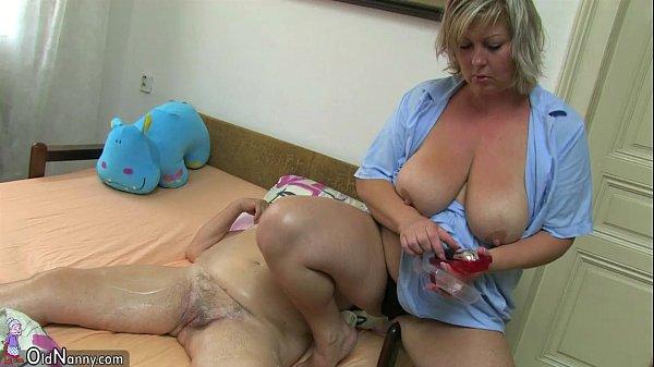 мастурбируют друг другу толстые зрелые - 2