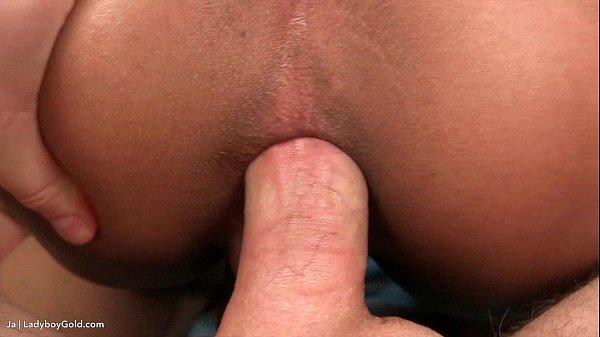 Deep anal bareback
