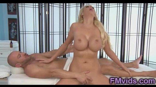 Порно с неграми большими членами и азиатки