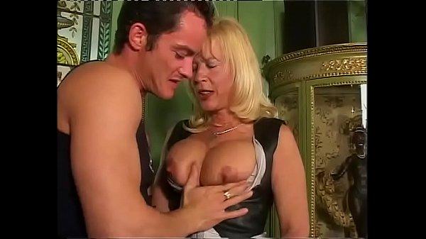 Зрелые тетки с большими титьками порно