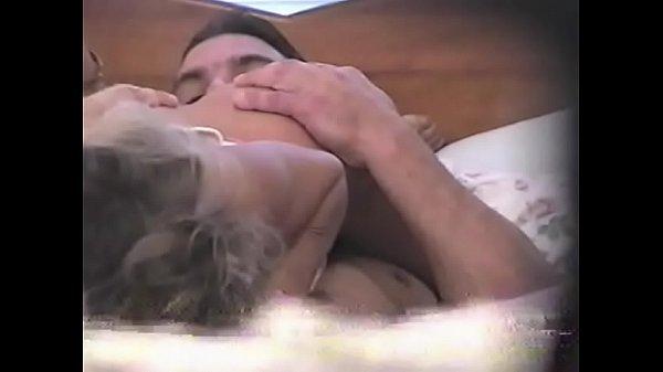 Анальное утехи лесбиянок порно