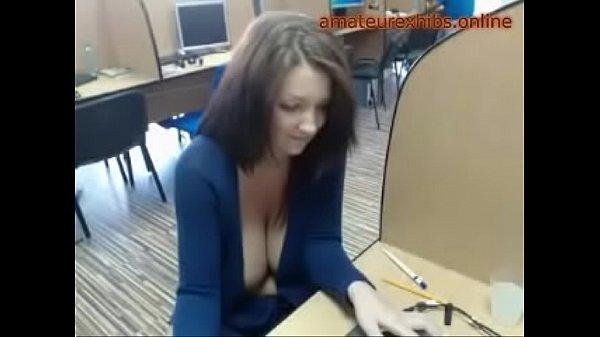 Первокурсница перед вебкой онлайн видео