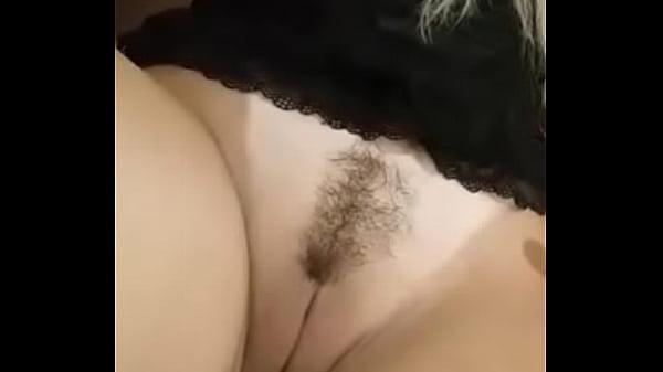 Видео женская мастурбация на пляже