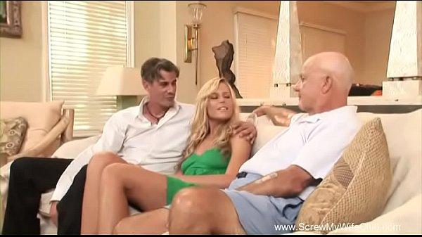Чужих жен ебут парни в присутствии мужей