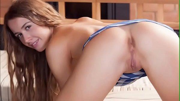 CALLIE: Hot italian pussy