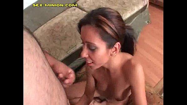 Девушка мастурбирует пилотку