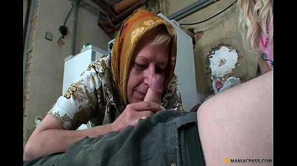 Парень заставил занятся с ним сексом девушку